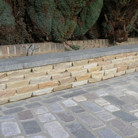 Beige Riven Sandstone Setts - 6.1m2 Pack, 100x100x40-70mm