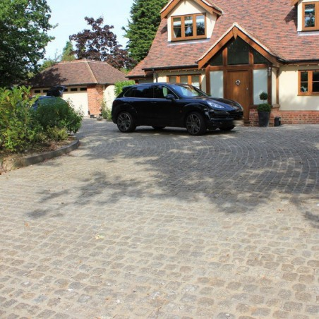 Yellow Cropped Granite Setts - 4.5m2 Or 2.25m2 Packs, 100mm3