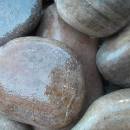 Scottish Beach Cobbles 75-100mm - Available in poly bags or bulk bags