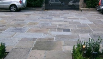 How to find the right natural stone paving for your driveway